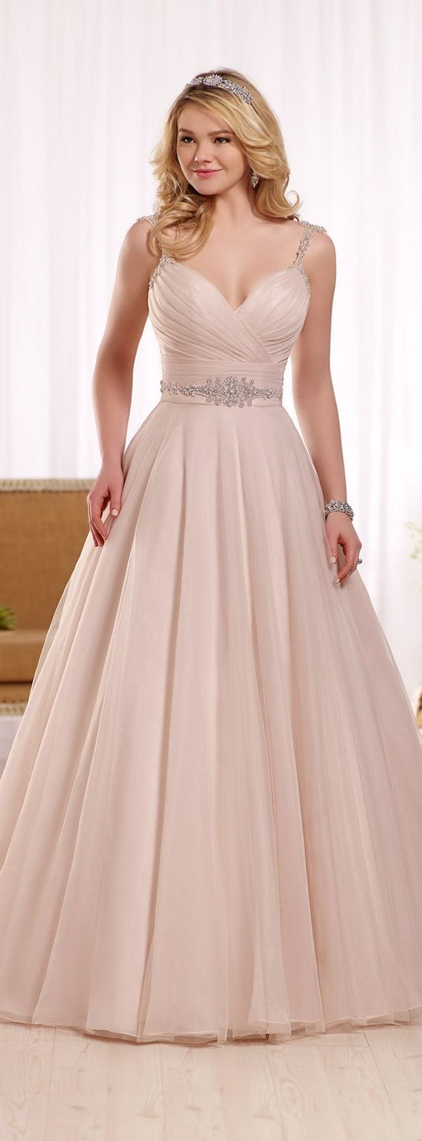 39 best Wedding Gown images on Pinterest | Wedding frocks, Bridal ...