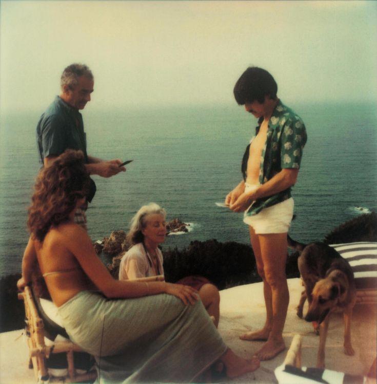 Андрей Тарковский, Микеланджело Антониони, Энрика Антониони в Коста-Парадизо, Сардиния, 1979, фото из собрания А.Тарковского