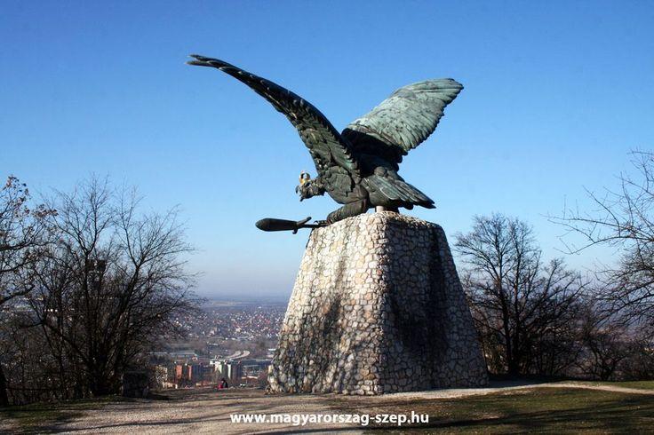 Tatabánya, Turul emlékmű