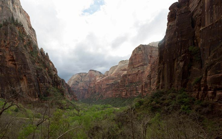 Dicas práticas pra passar 2 dias no Zion National Park, um dos mais lindos parques nacionais americanos.