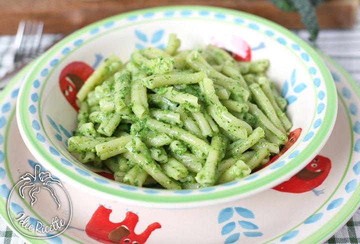 Casarecce al pesto di cavolo nero / Pasta with black cabbage pesto
