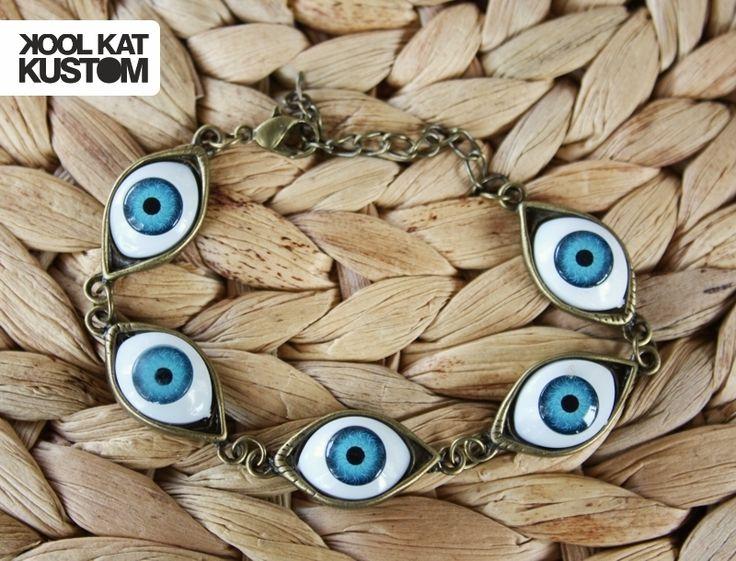 Evil Eye Bracelet by #koolkatkustom ! Dieses Armband schützt dich vor dem bösen Blick und sieht super stylish aus!
