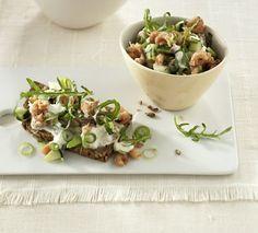 Multitalent: Dieser köstliche Krabbensalat schmeckt sowohl aufs Brot als auch klassisch aus der Schale.