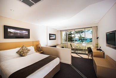 Our stylish Superior Rooms are located in the South tower overlooking Manly surrounds and are contemporary and stylishly appointed. These spacious rooms feature either a queen bed or twin beds.