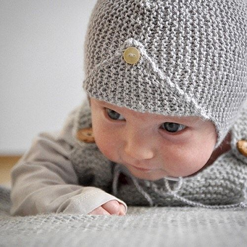 #muecke by amazing @mme_ulma wearing a NATURKINDER #babyhat ❤️❤️❤️ I am so in LOVE ❤️❤️❤️ Not only did this mother of baby twins test knit the #pattern she shared with me this gorgeous picture that became the cover picture of my pattern. Face of the campaign so to say :-) Thank you so very much ❤️❤️❤️ (Oh, yes, and the pattern is published now, you can find it on DaWanda, Etsy and Ravelry! I am so happy!)