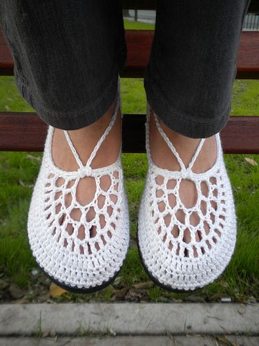 The Clouds - White Crochet Shoes with Grey Template