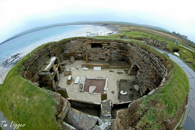 Scara Brae on Orkney, Neolithic village 5,000 years old or so. With Tokina 10-17 fisheye at 10mm.