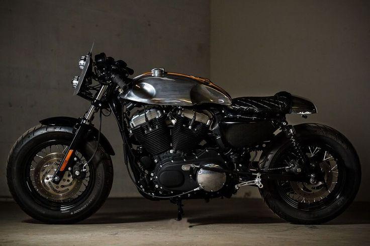 🏁 caferacerpasion.com 🏁 Harley-Davidson Sportster CafeRacer by Barn Luck [TAGS] #caferacerpasion #harley #caferacersofinstagram #caferacerxxx #caferacerporn #caferacerculture