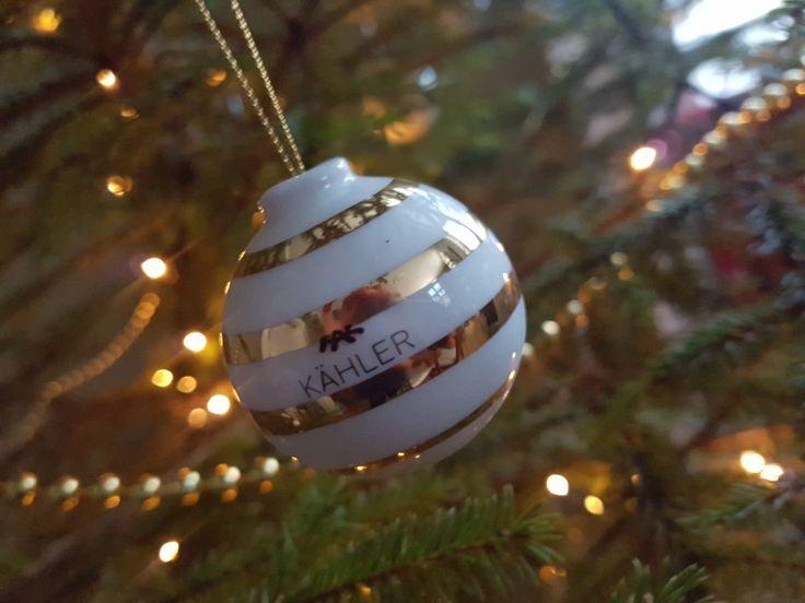 Kähler design. Handpanted Golden striped christmas ornaments. #kähler