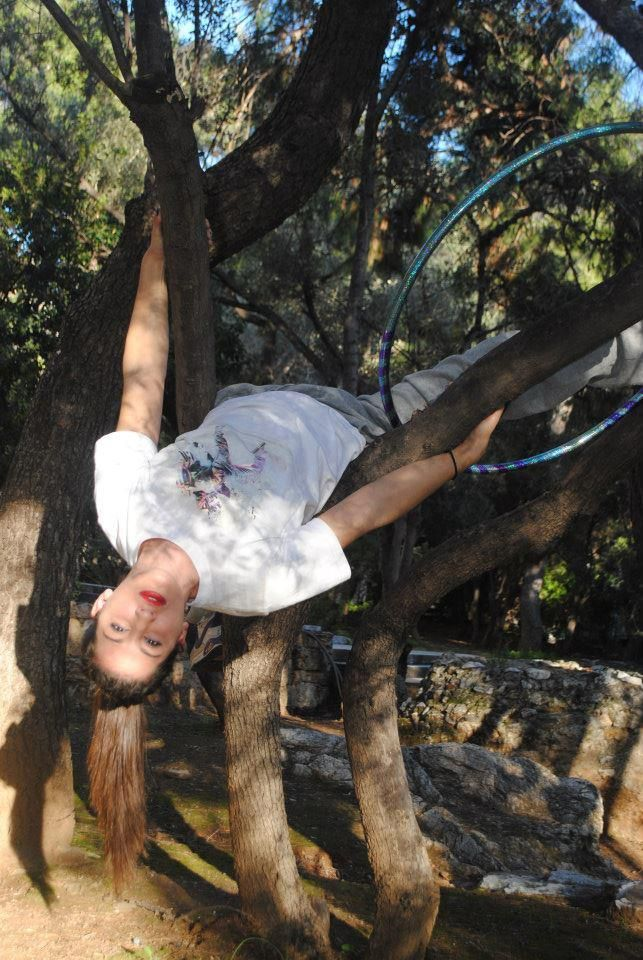 Climbing the trees.... If i fall... i won't post anymore.... http://www.hoboillusionerz.com/Videos