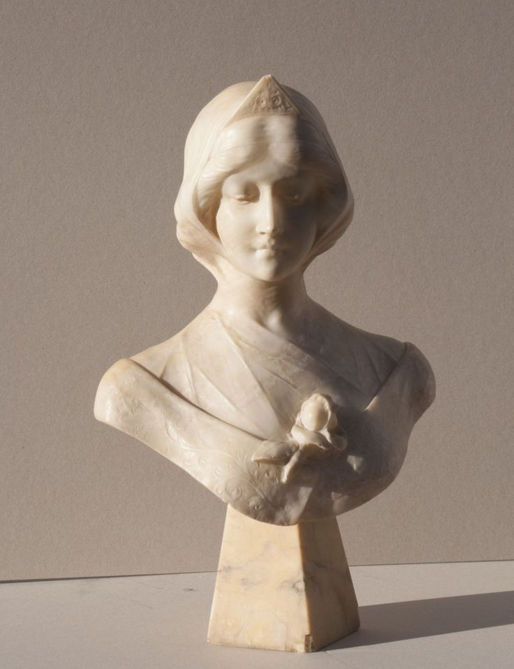 U. Biagini, Bust of a young woman, alabaster 60.0 x 40.0 cm., signed on the back. Collection Simonis & Buunk, The Netherlands. Collection Simonis & Buunk, The Netherlands.