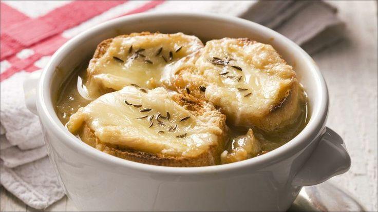 Gratinert løksuppe - Denne suppen gjør seg godt i nesten alle sammenhenger. Ser lekkert ut, smaker lekkert og imponerer!