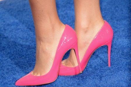 7 Cara Memakai Sepatu Hak Tinggi Secara Nyaman - http://aimynasywa.com/2016/04/7-cara-memakai-sepatu-hak-tinggi-secara-nyaman.html