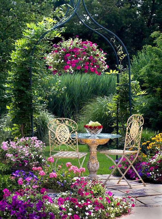 Beautiful!Tables For Two, Gardens Design Ideas, Modern Gardens Design, Interiors Design, Beautiful Gardens, Interiors Gardens, Flower, Hanging Baskets, Backyards