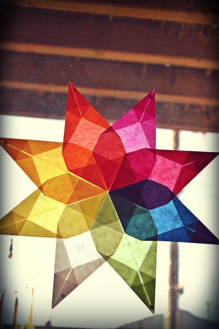 étoiles à 8 branches et à 16 branches avec du papier vitrails