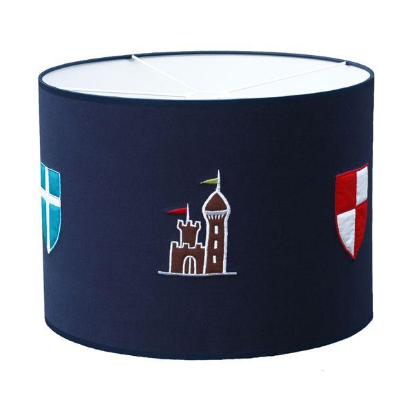 Evinizin cesur şövalyesi için özel tasarlanmış harika bir tavan lambası. Kablo seti ürün içerisinde dahildir.