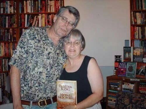 Mr. and Mrs. King! An entire family of great authors!!