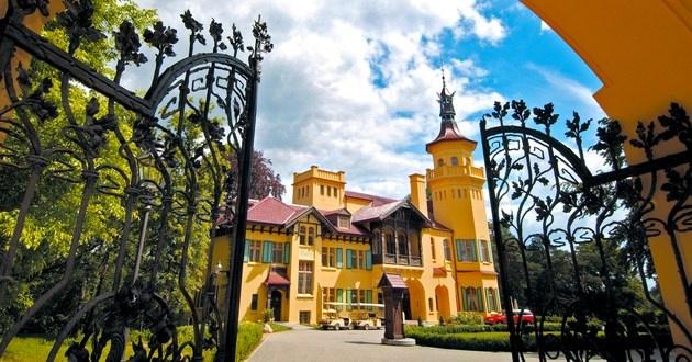 Schloss Hubertushohe, Storkow, Germany #luxurylink
