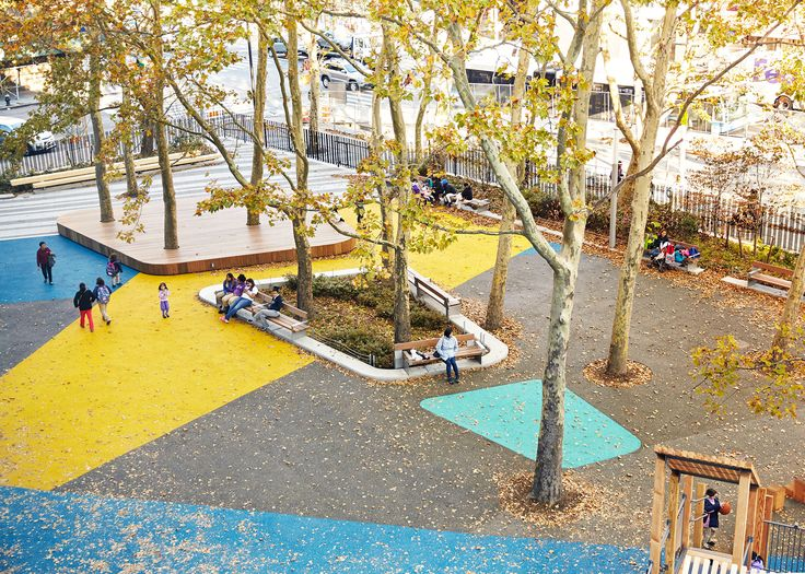 Located in the heart of East Harlem, a neighborhood with one of the highest concentrations of public housing in the city, Blake Hobbs Play-za unites a diverse community with a re-energized, active urban space that serves neighborhood residents, DREAM Charter School students, and adjacent New York City Housing Authority senior housing. Prior to the park's