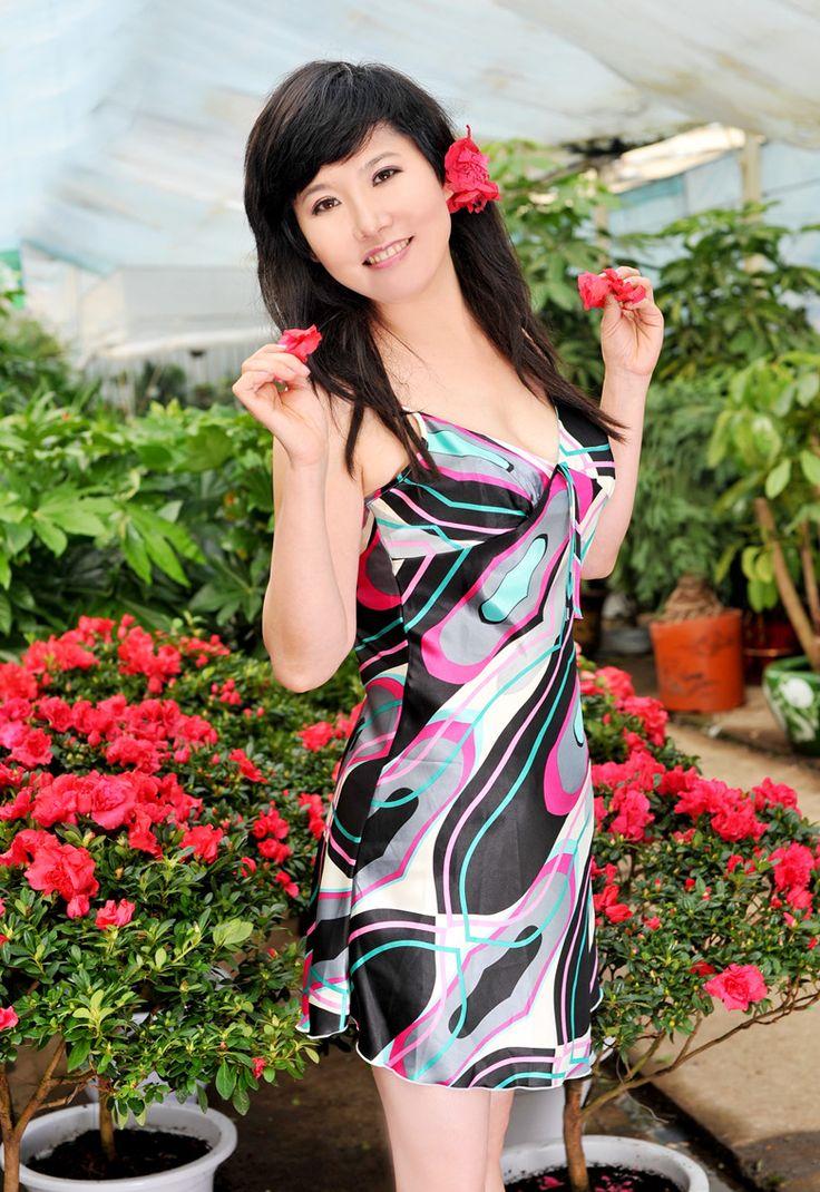 Pals asiatische Frauen Bräute