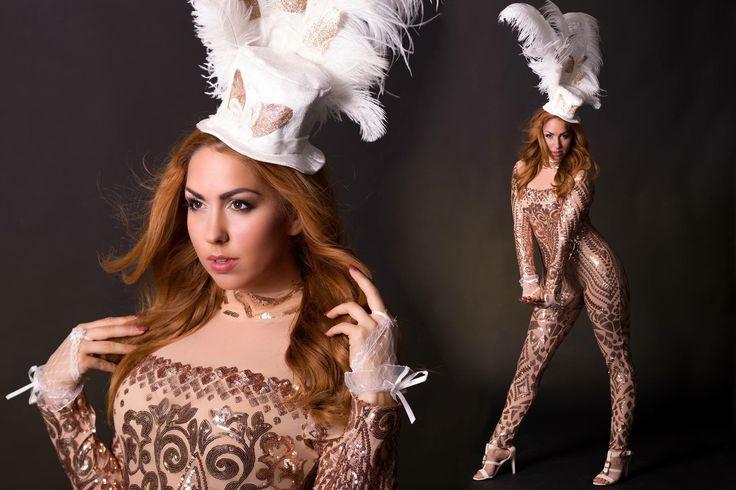 Casino Las Vegas Thema Entertainment met de themadames van VIP-Promo in custommade kostuumkleding! Casino Girl, danseres, entertainmentgirl, promodames, vippromo, glittergitl, glitter, highlevel, premium promotie personeel