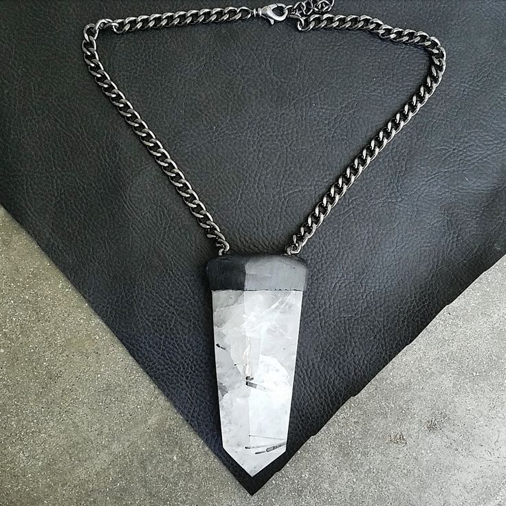 TOURMALINATED QUARTZ: Short Necklace
