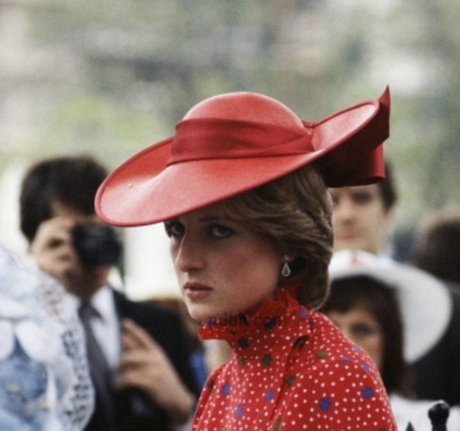 4 JUNE 1981 LADY DIANA SPENCER AND PRINCE CHARLES ATTEND THE WEDDING OF NICHOLAS SOAMES AND CATHERINE WEATHERALL