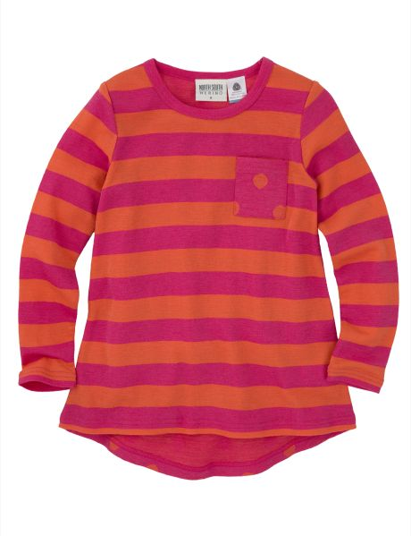 This cute striped top is made from 100% merino wool. It features a pocket on the chest with a spot design.