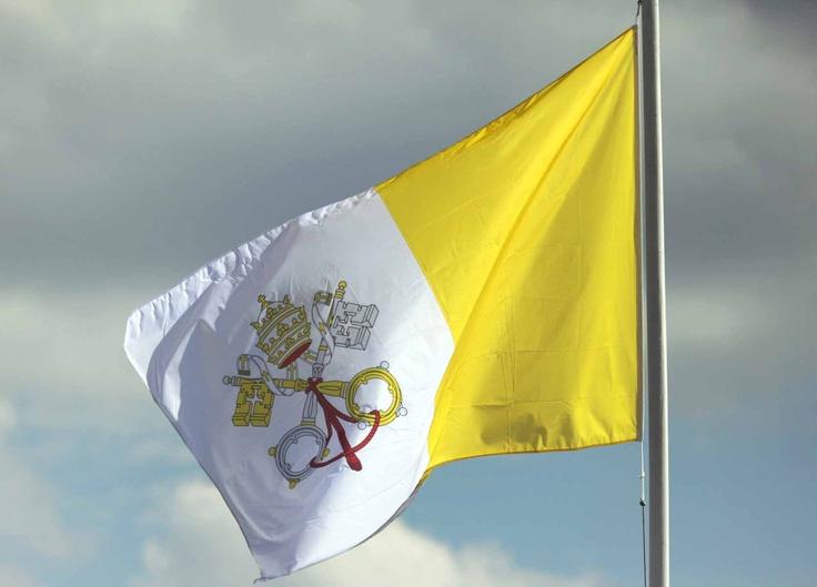 Bandera del Vaticano: Bandera Ondeando, Banderas Flags, Vatican, Bandera Del, Thania, International Flags, Flags Ülkel Ve, Af Vaticano, Bandera Flags