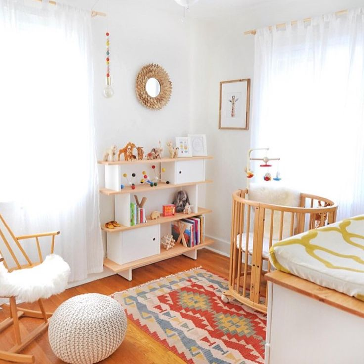 """@ministyleblog en Instagram: """"When we imagine our dream nursery, it looks exactly like this! ⭐️ Beautiful space! @erinashkelly"""""""
