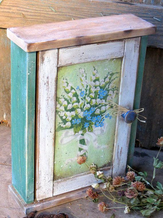 Vintage Key Box-Handmade Key Holder-Wooden by RusticCraftsbySue