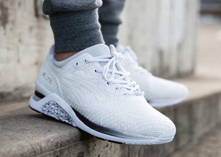asics gel lyte evo on feet