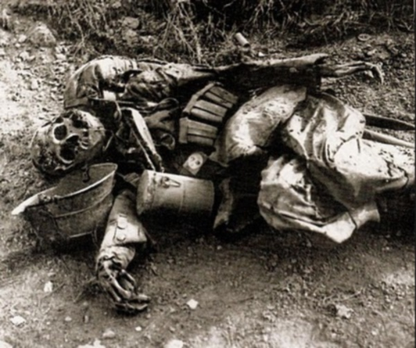 WW1: German corpse who was KIA is discovered months after he died. WW1 battlefields were huge open death pits. The dead were rarely retrieved on time for a decent burial. Brief ceasefires agreed locally could only allow for the rescue of the wounded. As late as the 1990s, mummified corpses were being discovered in caves and other locations in the old battlefields.