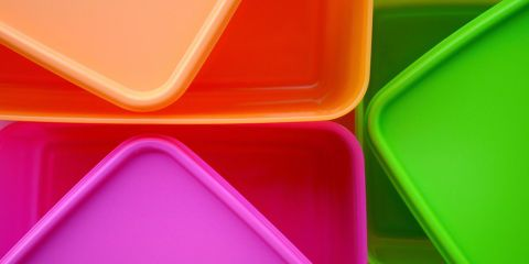How to Clean Plastic Containers - Cleaning Plastic Containers