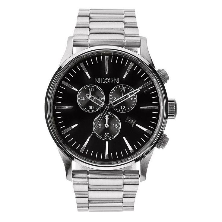 Met dit luxe horloge van Nixon mix je je business maar al te graag met 'pleasure'! Dit stijlvolle horloge laat namelijk zien hoe je optimaal gebruiksgemak in een aangenaam uitziend jasje steekt! Gemaakt van duurzame materialen en met chronograaf.