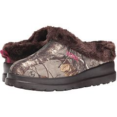 Camo sketchers slippers