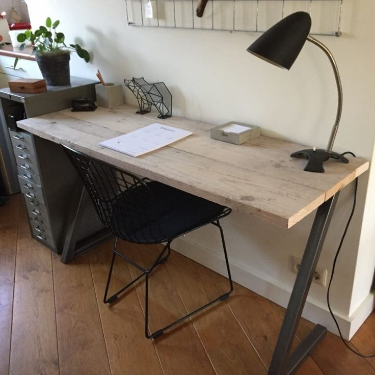 25 beste idee n over industrieel bureau op pinterest for Bureau 70 x 50