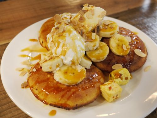 Since the Bills have made debut in Japan, ricotta pancakes are everywhere now