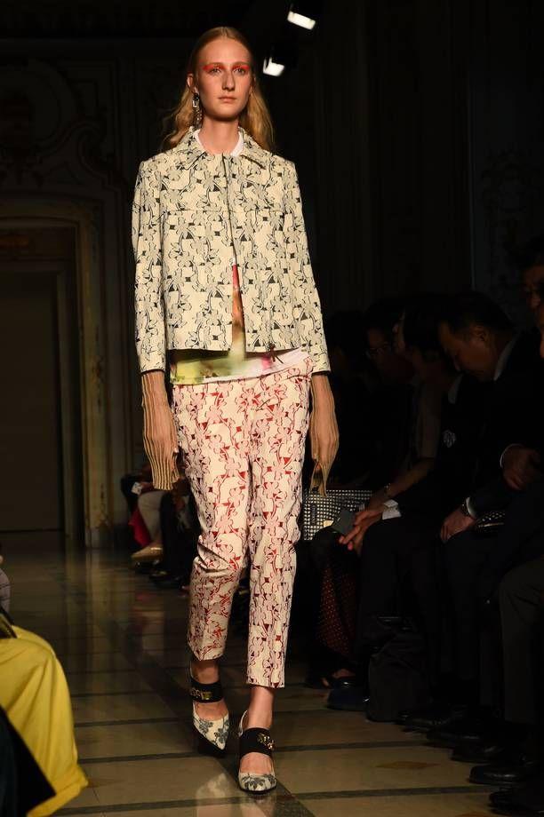 Fantasie diverse nel tailleur Cividini fashion week milano