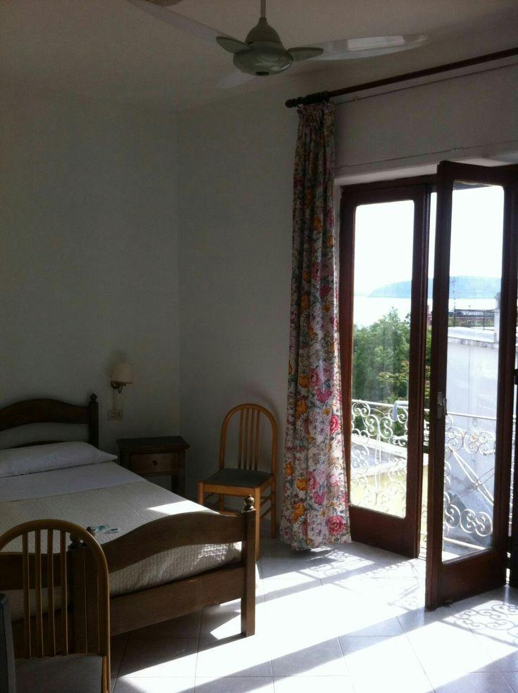 Camera con vista... #mare, Castello, centro storico... #ischia