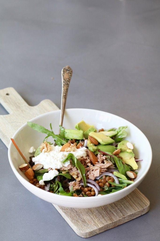 Linzensalade met avocado en tonijn, Gezonde salades, Salades met linzen, Gezonde maaltijd salades, Lunchen zonder brood, Lekkere salade recepten, Beaufood recepten, Glutenvrije foodblogs