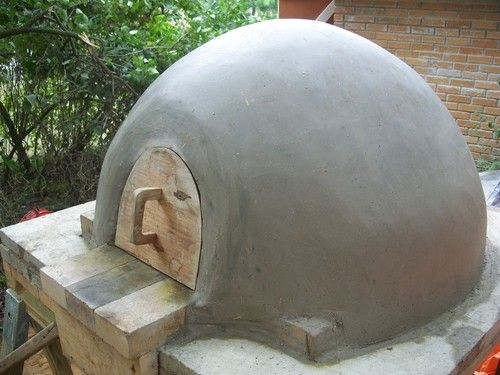 A homemade Pizza Oven! Build it yourself on the cheap! I'm trying it this Spring.