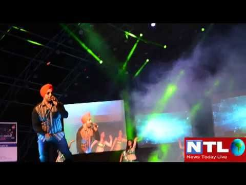 Deep Money performing live Punjabi song Disco vich Giddha during MH1 Show.