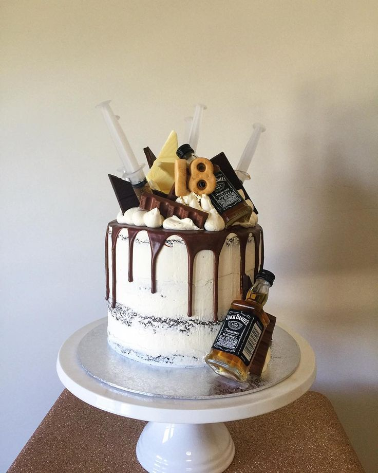 21st birthday cakes for her with alcohol