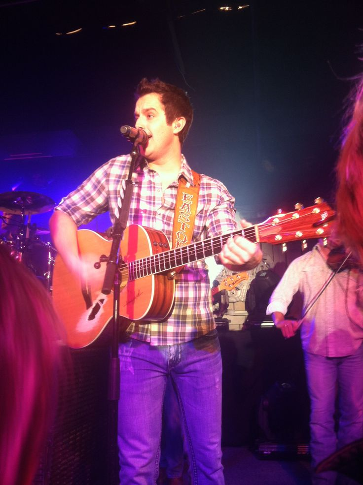 Man Caves Medina Ohio : Easton corbin thirsty cowboy medina ohio
