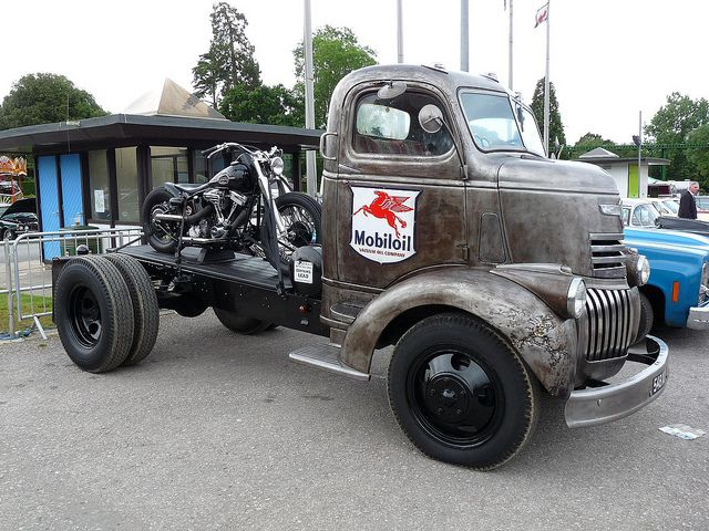 Mobiloil late 1930's or early 1940's Chevy C.O.E.flatbed hauler