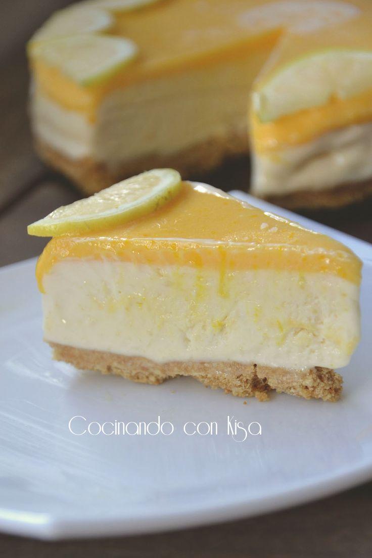 """A quien le apetece un trozo!!   Esta tarta helada de limón y junto a Cris del blog Jugando a cocinar con """" Driwgry Cocinitas""""  la hemos..."""