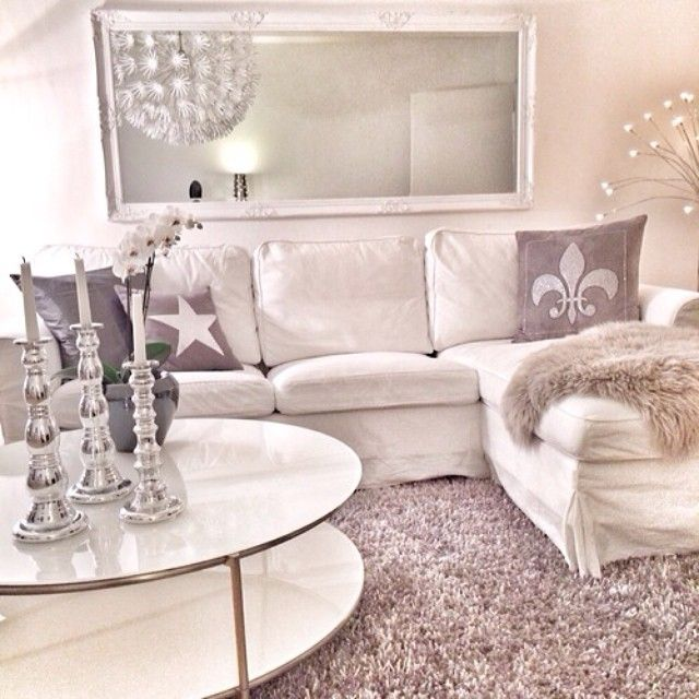Oh how I wish I could have a white living room! Maybe when my sons 18... ;)