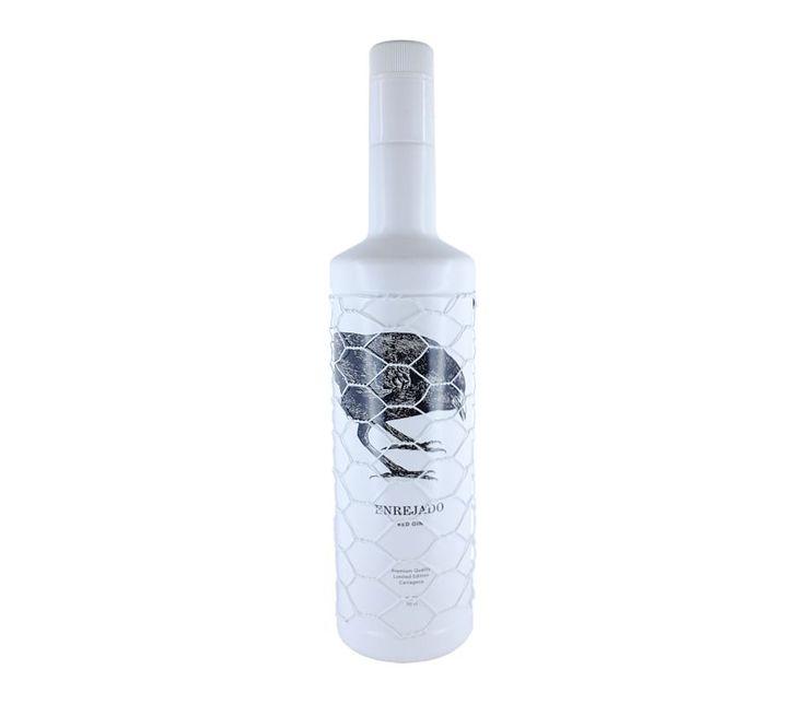 Red Gin Extra Premium Enrejado ● Excelente Ginebra tridestilada en alambique de cobre. Una Gin que ha nacido especialmente para elaborar el exclusivo Red Gin&Tonic con calidad extra Premium, gracias a su equilibrada combinación de botánicos y aromas naturales.  - , #FrutosDelBosque #Gin #Premium #Roja. En www.rincondellicor.com #NoLoOlvides