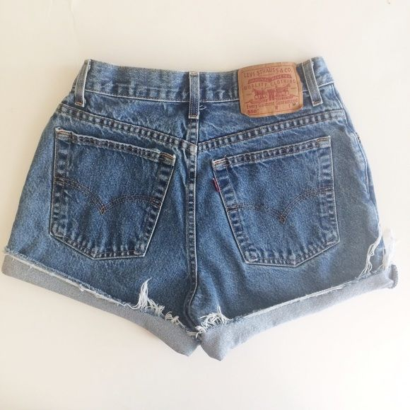 FLASH SALE Levi's Vintage High Waisted Shorts 27 Adorable vintage Levi's high waisted denim shorts in a medium wash. Waist size is 27. Levi's Shorts Jean Shorts